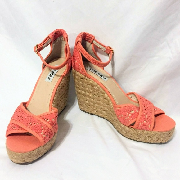 1a7201cea8f 🆕 Steve Madden Marrvil Crocheted Wedges NWT